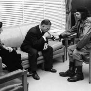 Alberto Korda - Simone de Beauvoir, Jean Paul Sartre and Ernesto -Che- Guevara (Cuba, 1960)