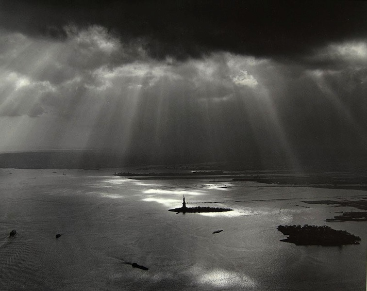 Tom Baril-New York Harbor (from the World Trade Center), Silver print on original mount, 16 x 20 in. (406 x 508 mm) 1977
