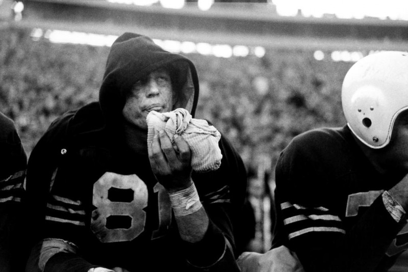 Bruce Davidson-01 New Haven, Connecticut. 1954. Yale football