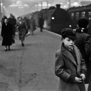 Bruce Davidson-03 England. 1956