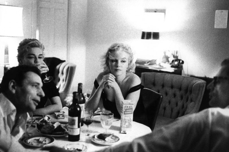 Bruce Davidson-22 Beverly Hills, California. 1960. Yves Montand, his wife Simone Signoret, Marilyn Monroe and her husband Arthur Miller at the Beverly Hills Hotel