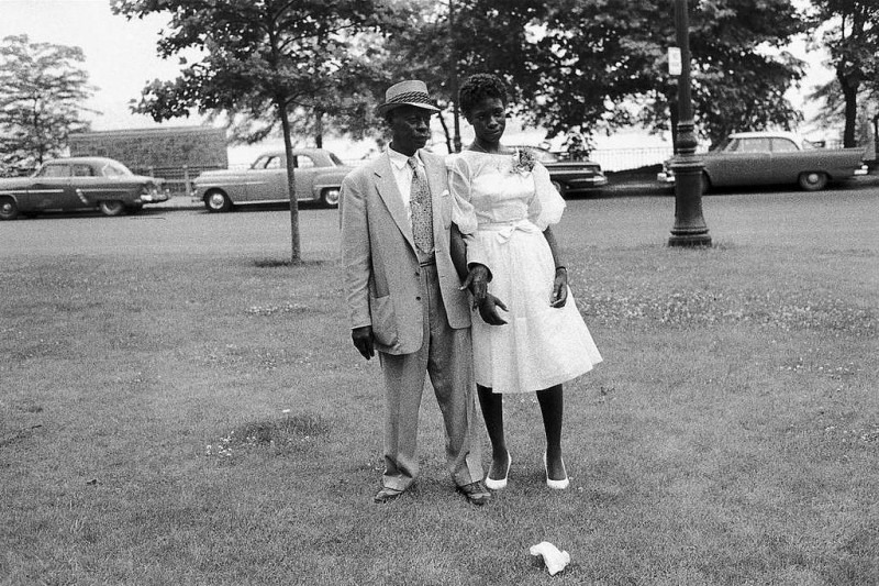 Bruce Davidson-29 New York City. 1962. Graduation Day in Riverside Park