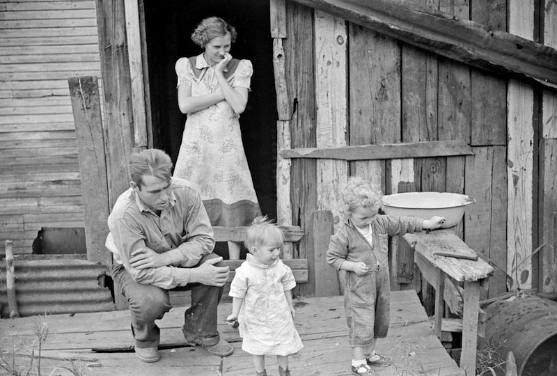 Marion Post Wolcott 06-Coal miner and his family on their back porch, Bertha Hill, West Virginia, 1938