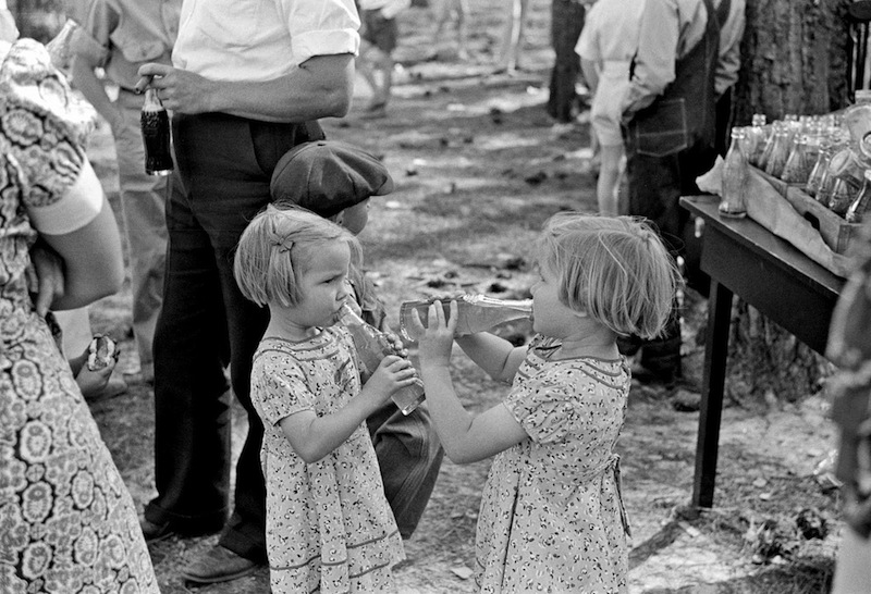 Marion Post Wolcott 15-Children at May Day Picnic at Irwinville Farms, Georgia, 1939