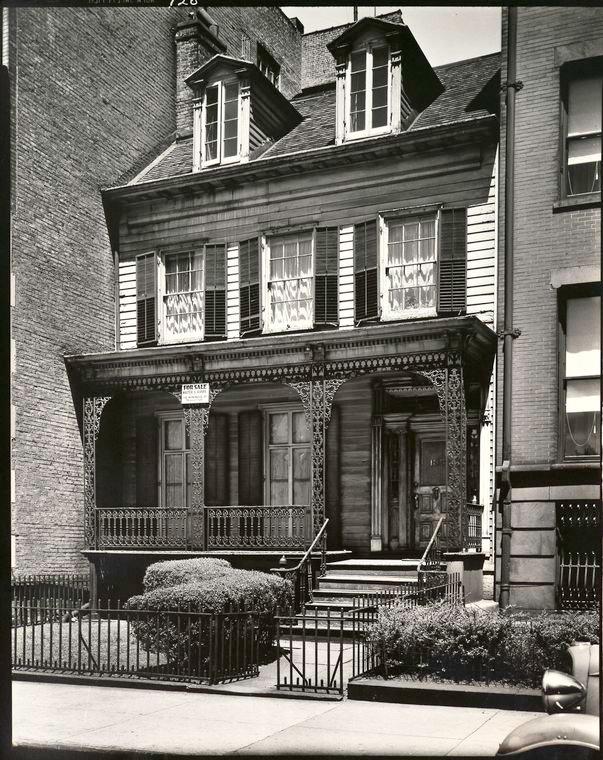 Berenice Abbott-Changing New York (1935-1938)-Joralemon Street, No. 135, Brooklyn, May 14, 1936