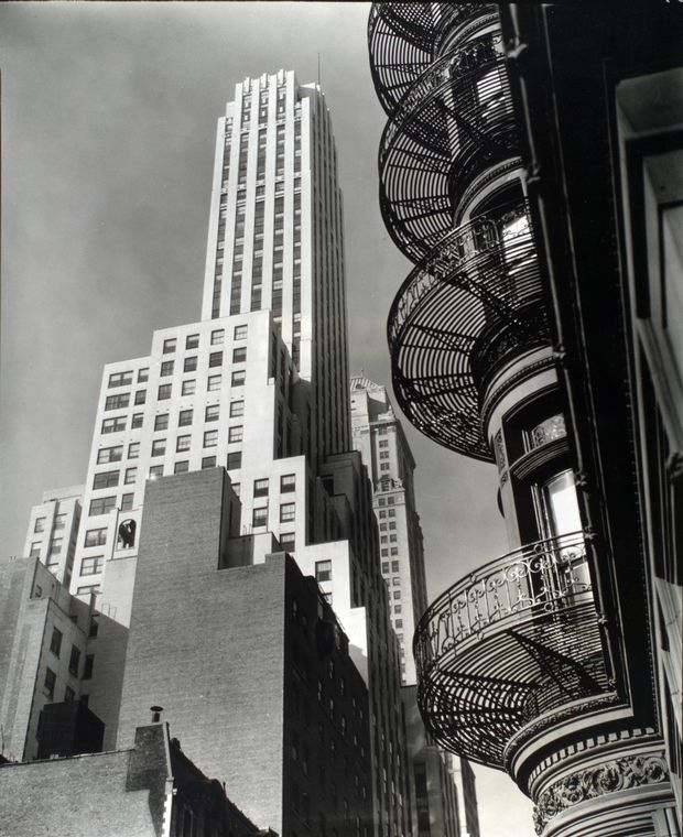 Berenice Abbott-Changing New York (1935-1938)-Murray Hill Hotel, from Park Avenue and 40th Street, Manhattan, November 19, 1935