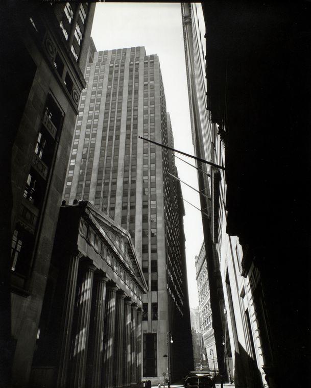Berenice Abbott-Changing New York (1935-1938)-Pine Street, U. S. Treasury in foreground, near Nassau Street, Manhattan, March 26, 1936