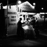 William Claxton - Audrey's Hot Dog Stand, Los Angeles, 1961