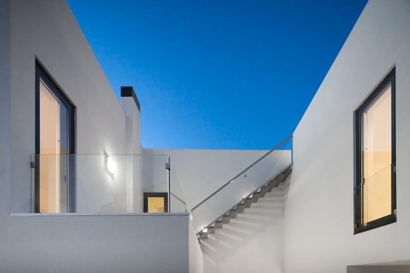 [i]da arquitectos - DJ House, Carcavelos, Portugal, 2012 - Photos by Joao Morgado