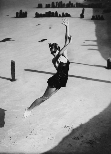 Norman Parkinson - Jump (Pamela Minchin in a Fortnum & Mason bathing suit). 1939