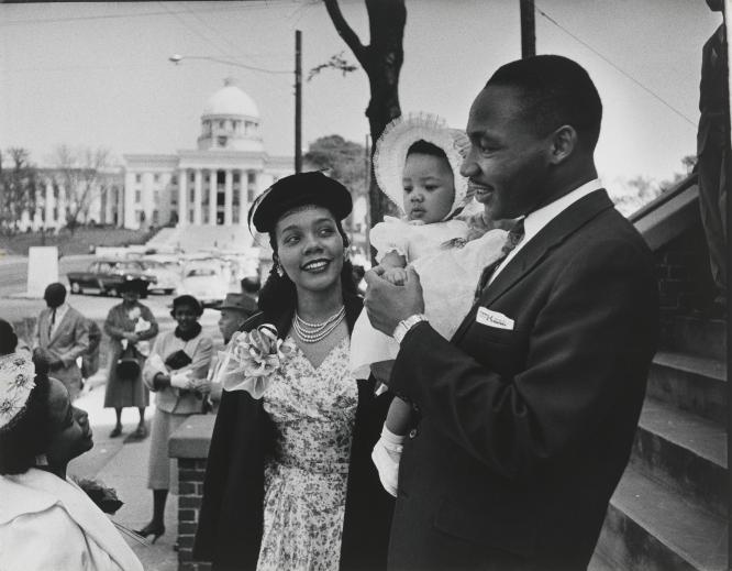 Dan Weiner - Dr. Martin Luther King, Jr., wife Coretta Scott King and their daughter Yolanda, 1956