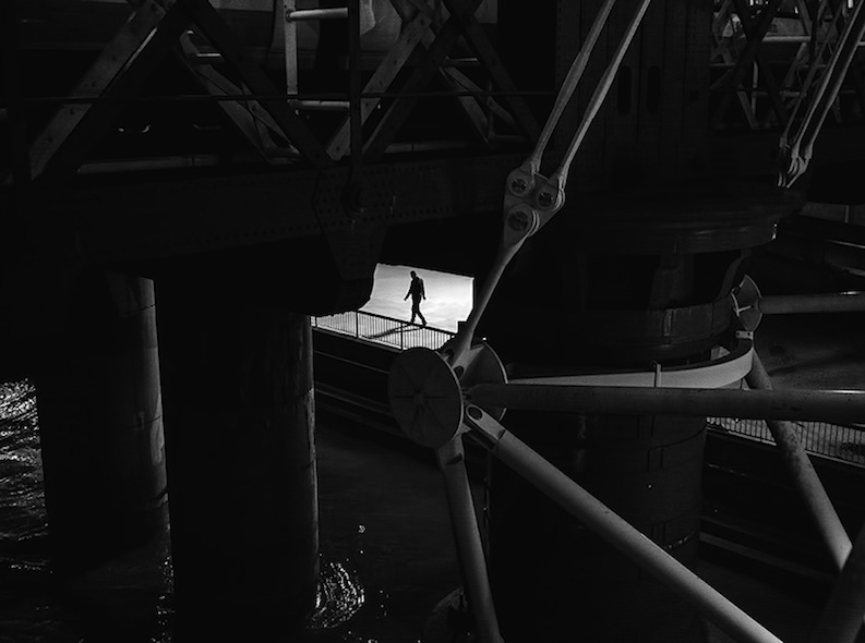 Rupert Vandervell - Man on Earth serie - fade to black front