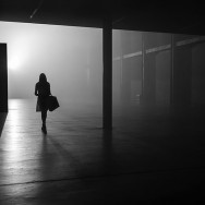 Rupert Vandervell - Man on Earth serie - late night shopping_09