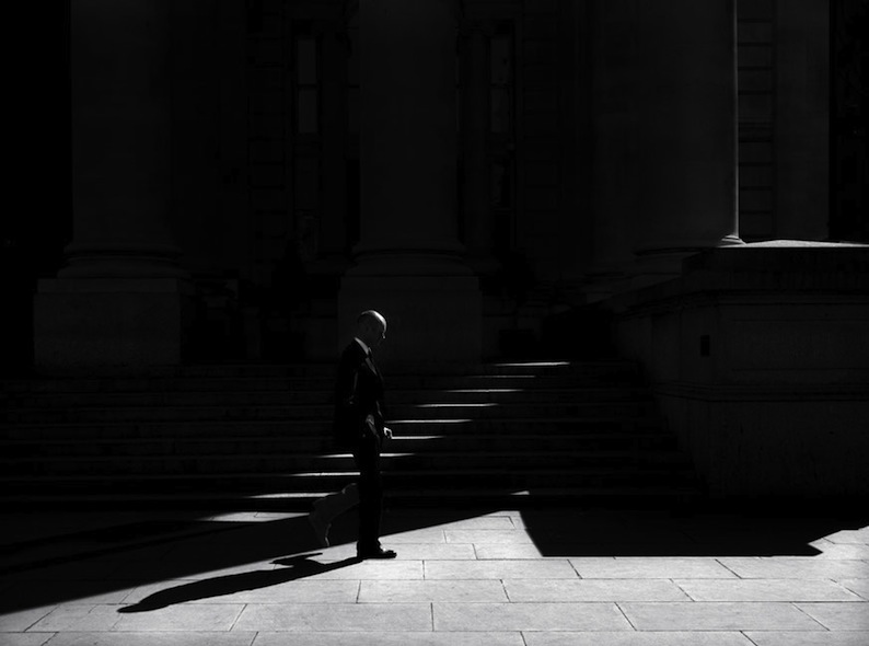 Rupert Vandervell - Man on Earth serie - lightness of being