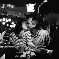 Peter Turnley-15_Brasserie de l'Isle Saint-Louis, 1995