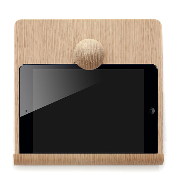 Nordic Appeal desk accessories in wood - iPad hanger