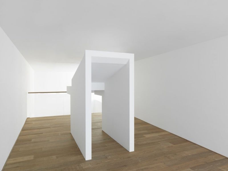 Jacob Kassay - HIJK, installation at Xavier Hufkens gallery, 2015