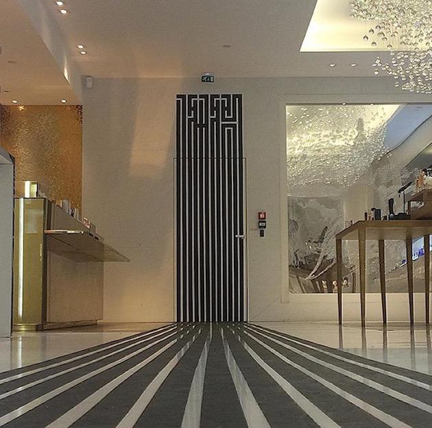 In The Mood for Paris - Boutique Guerlain Champs-Elysées - L'Atlas Art